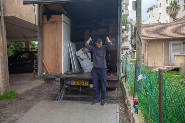 מעבר דירה בכפר סבא עם צוות 3 של אפדייט הובלות