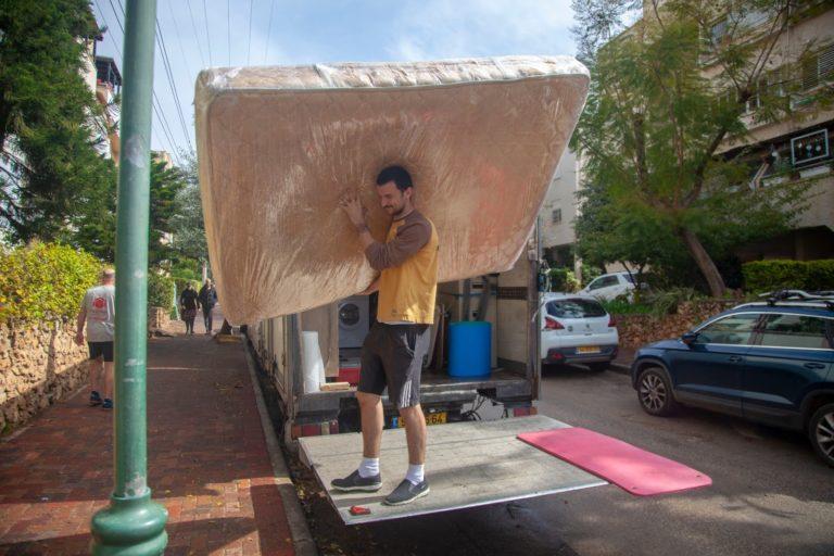במהלך הובלת דירה בתל אביב