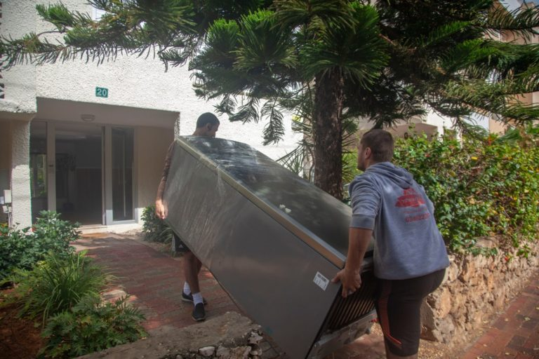 במהלך הובלת דירה בצפון תל אביב