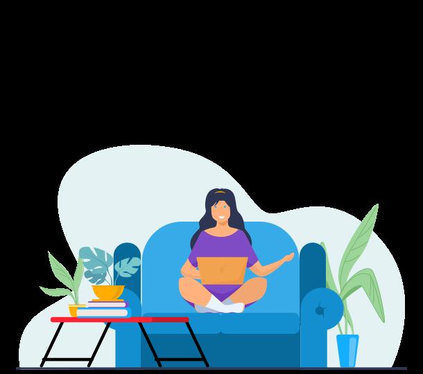 נערה צעירה יושבת על ספה עם לפטופ בדירת סטודנטים